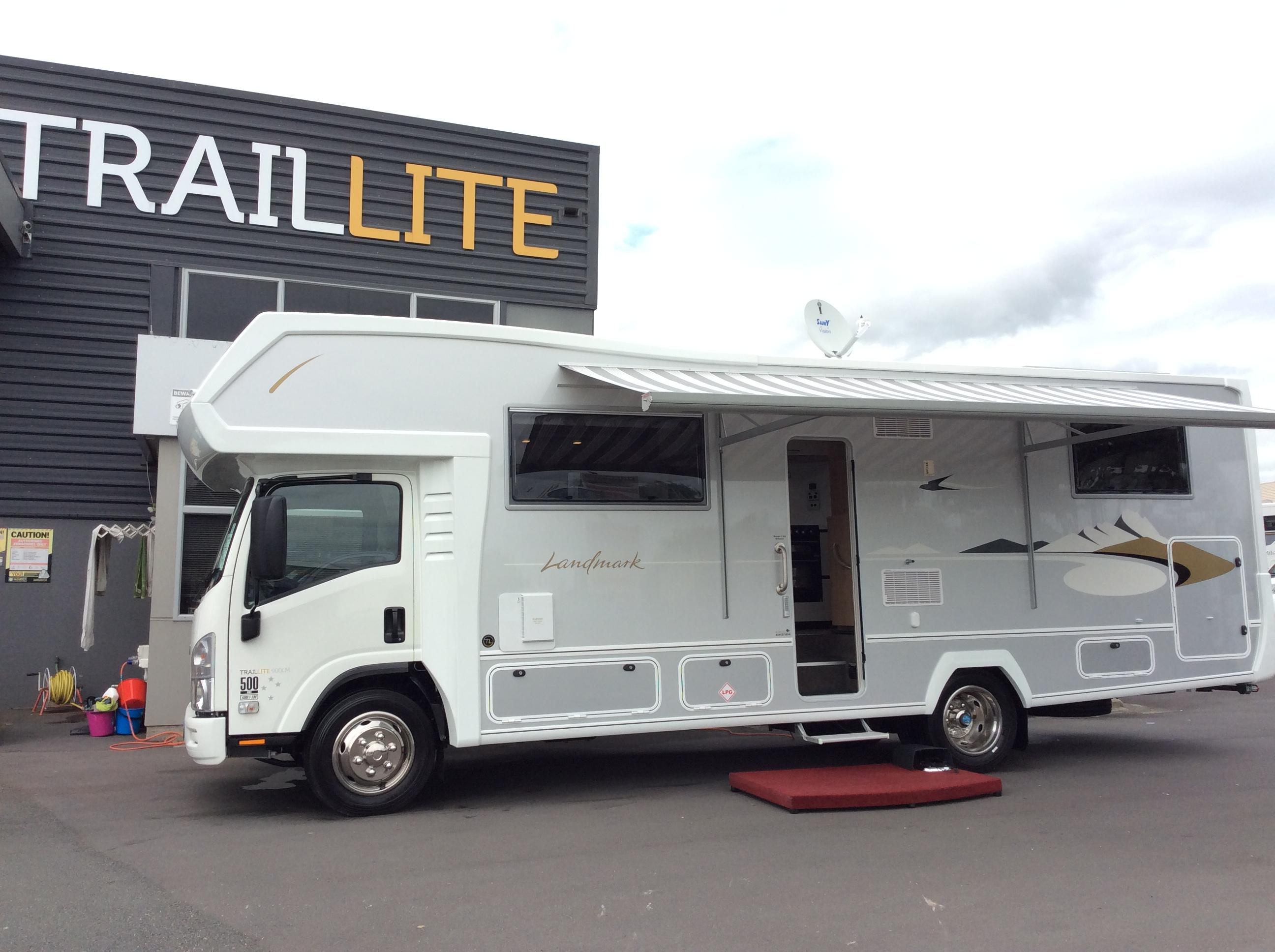 Buying a motorhome or caravan at the Covi SuperShow